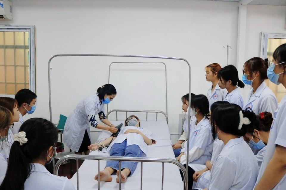 học điều dưỡng thi khối nào